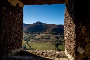 Vue sur le Puy Violent depuis le buron du Roc de Labro